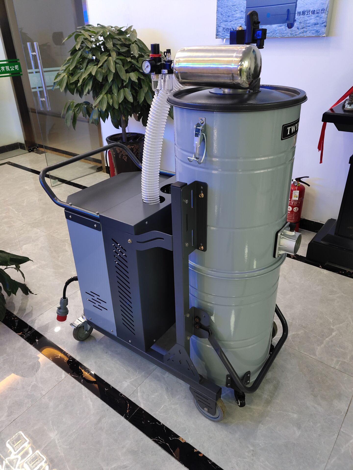 MCJC-7500脉冲集尘机 工业布袋集尘机  铁屑废渣集尘机 工业吸尘器  粉尘吸尘器 工业集尘机示例图11